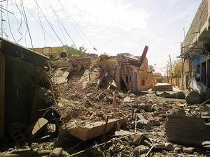 ラマディも連日、政府軍による空爆にさらされ、避難民は激増した。ラマディ市内の貿易商通り(2014年4月、ラマディ市民提供)