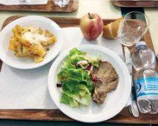 イタリアの避難所の食事