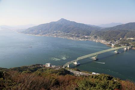 周防大島の展望台から大島大橋を望む