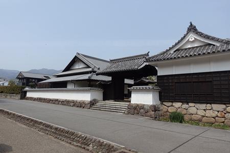 城下町の風情が残る「二の丸館」には観光案内所がある