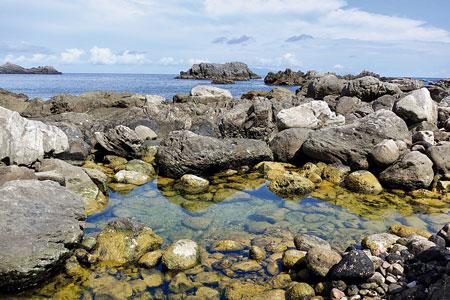 海のすぐそばにある足付温泉